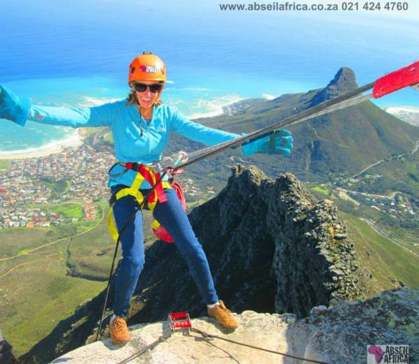Gutsy women... abseil down Table Mountain (Cape Town, South Africa)